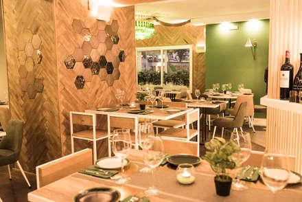 Restaurante AESGAYA: Comedores de estilo industrial de Klausroom