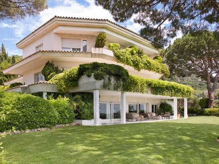 Villas by Abrils Studio