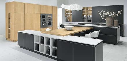 Pronorm Y-line: Cucina attrezzata in stile  di ROOM 66 KITCHEN&MORE