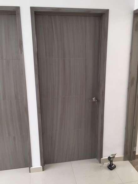 Wooden doors by Closets y Cocinas GIMSA Morelia