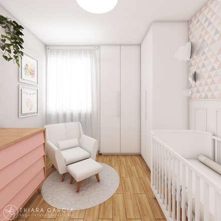 Cuarto del bebé de estilo  por Thiara Garcia Arquitetura e Interiores