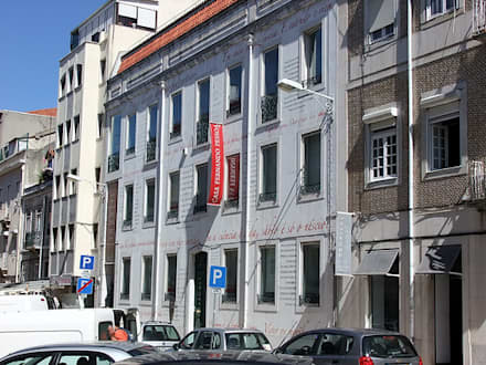 Casa Fernando Pessoa: Habitações multifamiliares  por Nuno Ladeiro, Arquitetura e Design
