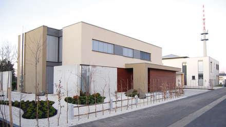 Ansicht Eingangsseite:  Villa von KERSCH + HANSEN ARCHITEKTEN