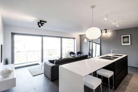 Módulos de cocina de estilo  de Lola Cwikowski Interior Design Studio