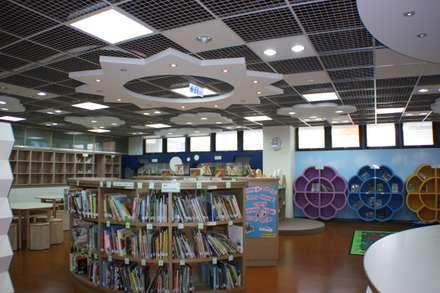 東大附小圖書館:  學校 by 利程室內外裝飾 LICHENG
