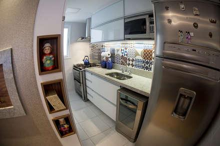 Kitchen units by INOVA Arquitetura