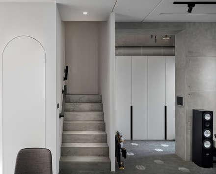 輕 湖口 別墅宅:  樓梯 by WID建築室內設計事務所 Architecture & Interior Design