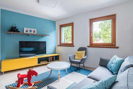 Ristrutturazione appartamento di 200 mq a Udine, S. Paolo: Soggiorno in stile in stile Scandinavo di Facile Ristrutturare