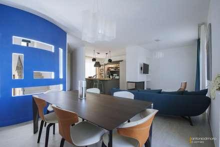 vista zona pranzo: Sala da pranzo in stile in stile Mediterraneo di antoniodimaro&partners