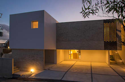 บ้านสำหรับครอบครัว by 株式会社クレールアーキラボ