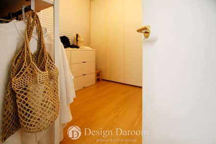 암사동 한강포스파크 25py 드레스룸: Design Daroom 디자인다룸의  드레스 룸