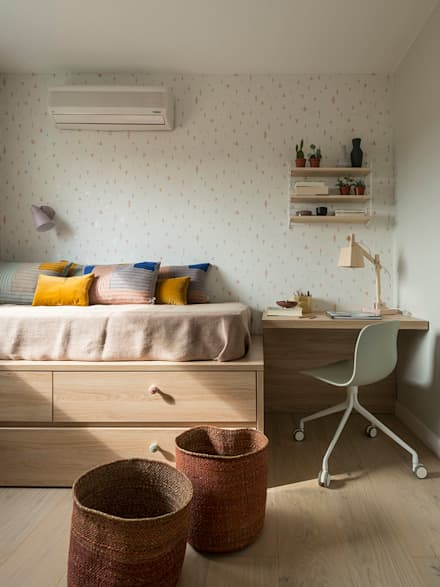 VIVIENDA VIA AUGUSTA: Habitaciones de niñas de estilo  de Meritxell Ribé - The Room Studio