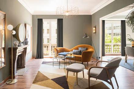 VIVIENDA BORI I FONTESTÀ: Salones de estilo ecléctico de Meritxell Ribé - The Room Studio
