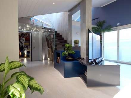 Escadas  por Studio Ferlenda