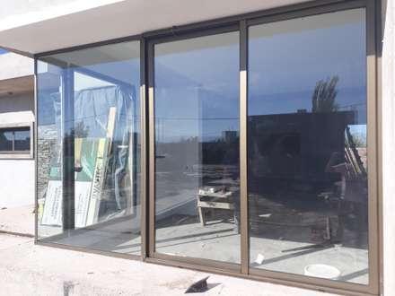 หน้าต่าง by M.i. arquitectura & construcción