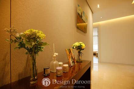 광장동 유진스웰 50py: Design Daroom 디자인다룸의  복도 & 현관
