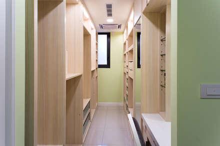 ห้องแต่งตัว by 松泰室內裝修設計工程有限公司