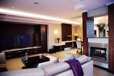 Ebotse Estate: modern Living room by Vision Tribe