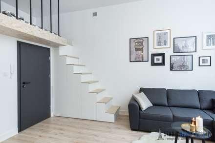 Escaleras de estilo  por studiolighthouse.pl - fotografia wnętrz