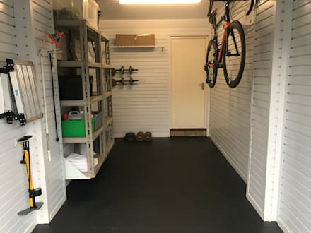 classic Garage/shed by Garageflex