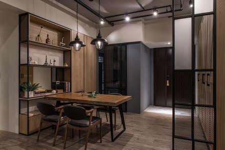 industrial Dining room by 詩賦室內設計