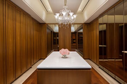 classic Dressing room by ARF interior
