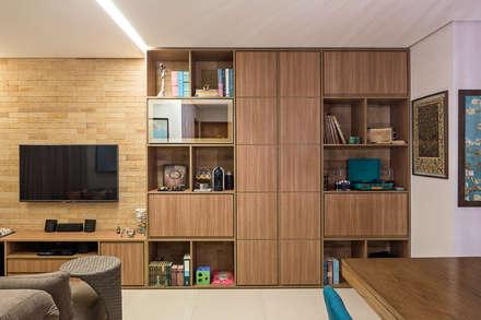 غرفة المعيشة تنفيذ Stúdio Ninho