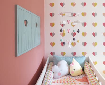 Girls Bedroom by CORES - Arquitetura e Interiores