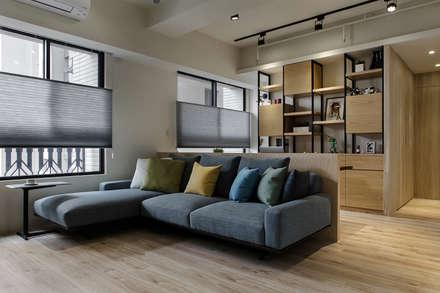 ห้องนั่งเล่น by 詩賦室內設計
