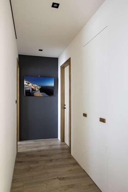 Doors by 詩賦室內設計