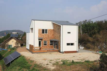 외관: 주택설계전문 디자인그룹 홈스타일토토의  전원 주택