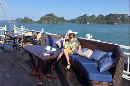 Bars & clubs by Công Ty TNHH KHÔNG GIAN MỚI
