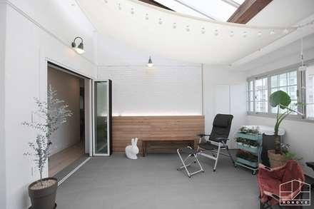 scandinavian Conservatory by 홍예디자인