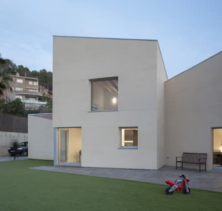 1403MM_Fachada principal. Módulo cocina y estudio: Casas ecológicas de estilo  de AlbertBrito Arquitectura