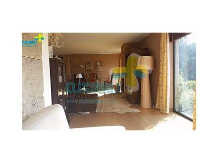 Sala (1): Salas de estar campestres por Clix Mais
