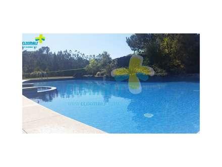 Excelente Moradia em condomínio fechado, com piscina privativa com vista para a Albufeira da Caniçada. Referência: clix mais v1.165: Piscinas de jardim  por Clix Mais