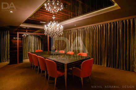 Oficinas y Tiendas de estilo  por Design Atelier