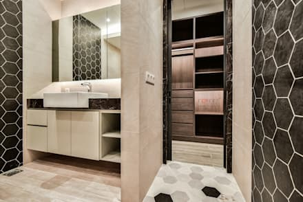 LUXURIOUS HOME: modern Bathroom by inDfinity Design (M) SDN BHD