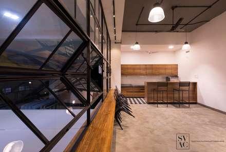 Cafeteria:  Commercial Spaces by SVAC  -  Suchi Vora Architecture Collaborative