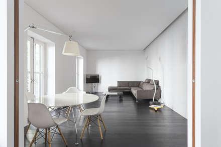 """Reestructuración integral de vivienda """"Casa de las Flores"""": Comedores de estilo clásico de Alberich-Rodríguez Arquitectos"""