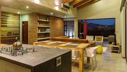 KITCHEN:  Built-in kitchens by ENDesigns Architectural Studio