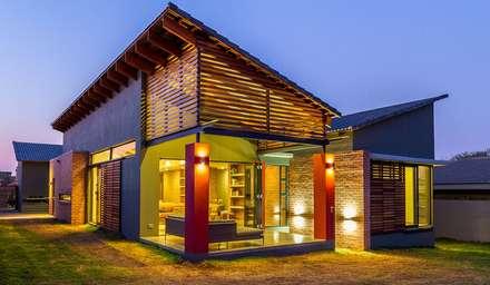 VERANDAH:  Patios by ENDesigns Architectural Studio