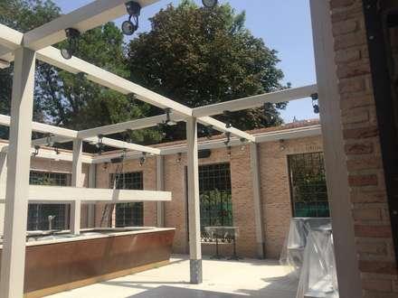 Restaurante FLORIDA PARK, Madrid: Terrazas de estilo  de APRO CONSTRUCTION MANAGEMENT S.L.