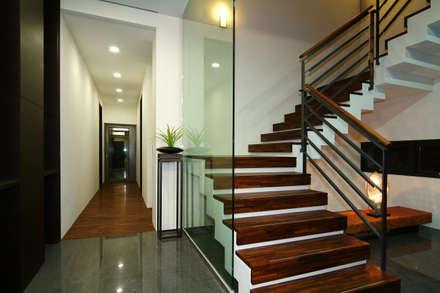 黃耀德建築師事務所  Adermark Design Studio의  계단