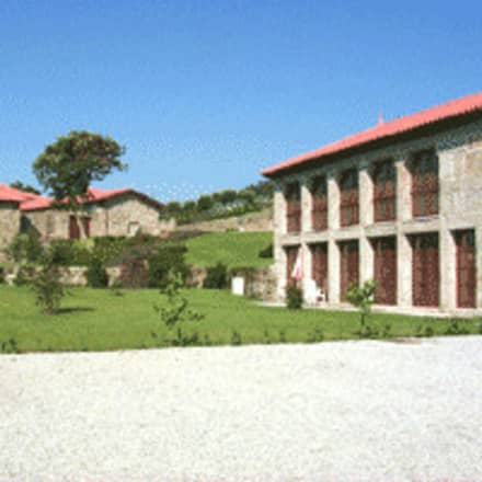 Nhà đồng quê by Eduardo Arquitetura