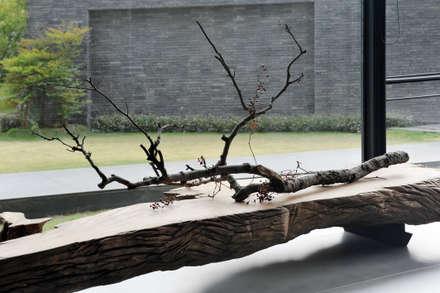 枯之美:  牆面 by 黃耀德建築師事務所  Adermark Design Studio
