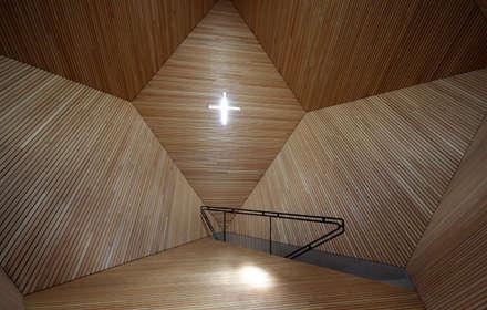 GRANATKAPELLE:  Wände von BESTO ZT GMBH_ Architekt DI Bernhard Stoehr