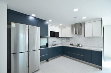 트렌디하면서 고급스러운 모던 클래식한 50평대 아파트인테리어: 씨엘하우스의  빌트인 주방