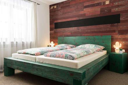 Hoteles de estilo  por Sun Wood by Stainer