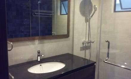 Timeless Design Master Bath : modern Bathroom by FINE ART LIVING PTE LTD